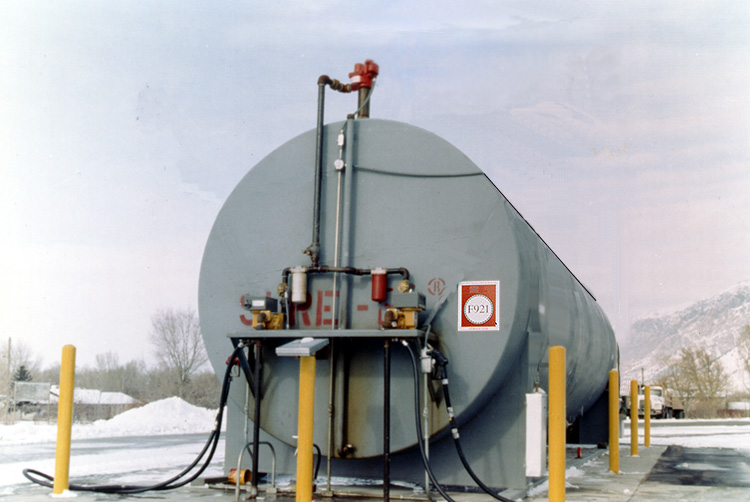 1992: STI develops F921 double wall steel tank